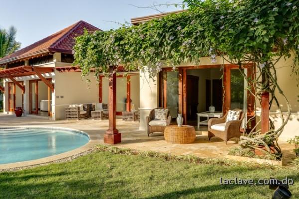 39 fachadas de casas de campo for Modelos de piscinas de campo