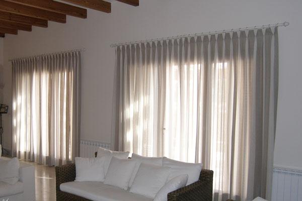 23 ambientes com cortinas modernas for Cortinas estampadas modernas