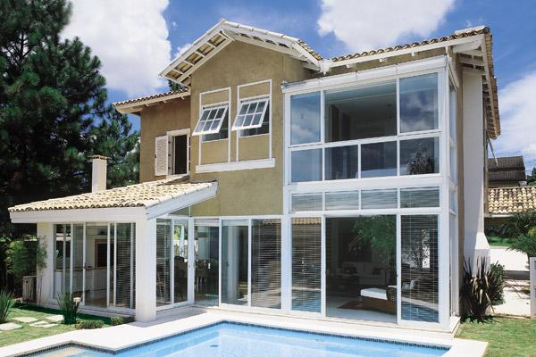 fachada-com-vidros
