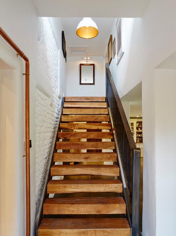 Escada de madeira 21
