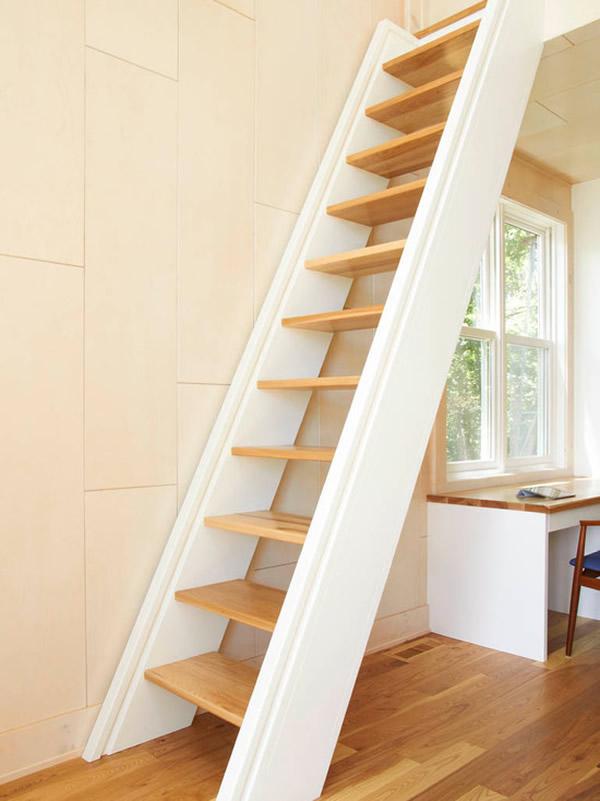 Escada de madeira 22
