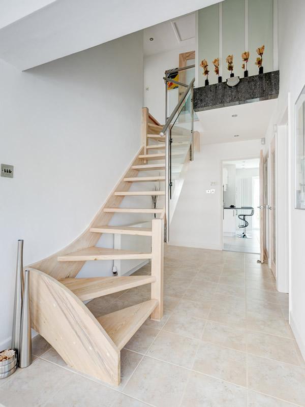 Escada de madeira 32