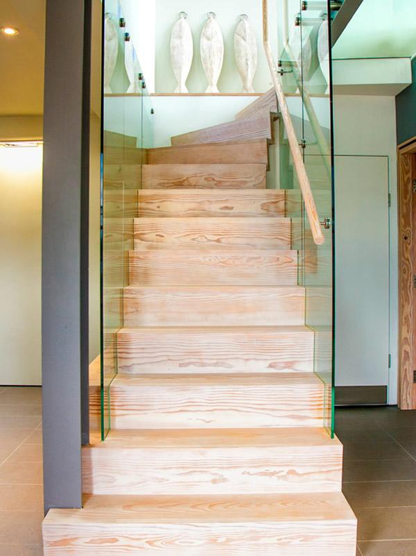 Escada de madeira 34
