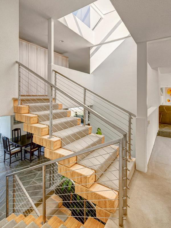 Escada de madeira 35