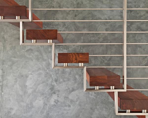 Escada de madeira 37