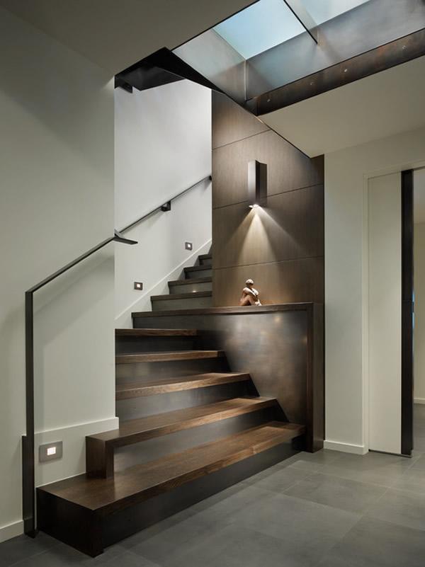 Escada de madeira 38