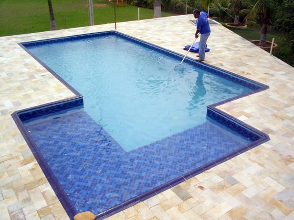 Piscina de vinil ou fibra pre os for Modelos de piscinas medianas