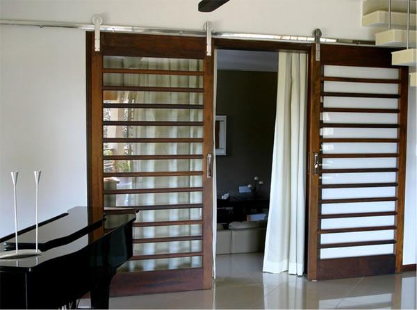 Porta de Correr de Madeira: 15 modelos