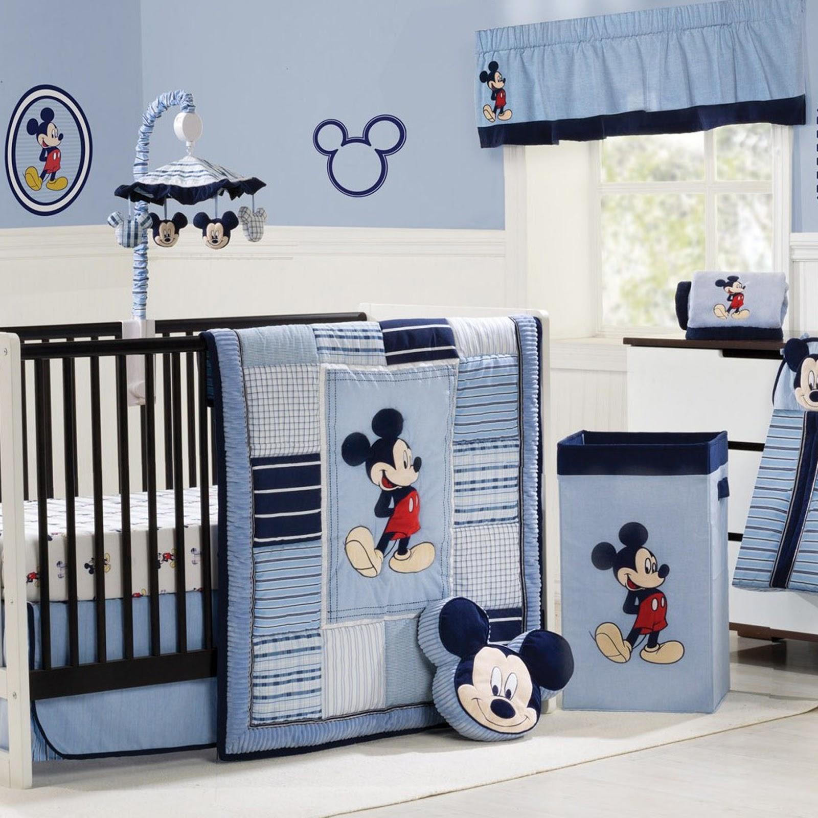 Quarto Mickey 20