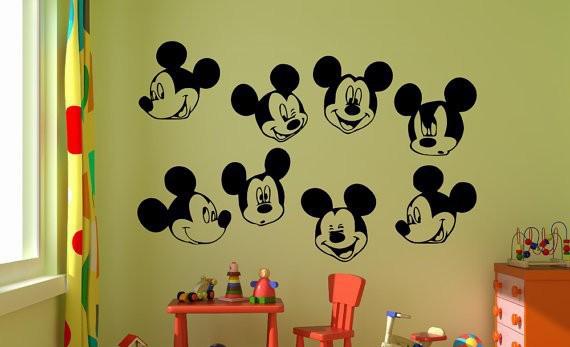 Quarto Mickey 25