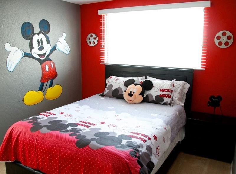 Quarto Mickey 26