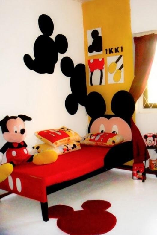 Quarto Mickey 27