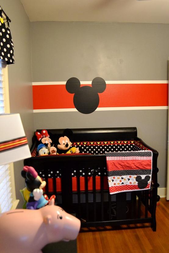 Quarto Mickey 30