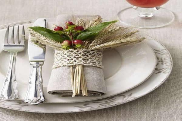 mesa-com-jogo-de-jantar-branco