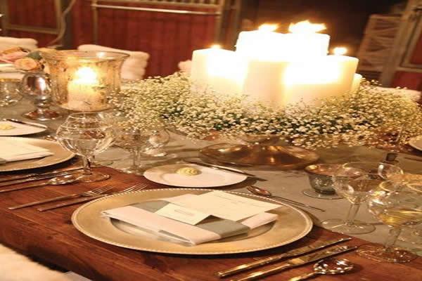 mesa-de-natal-com-vaso-de-velas