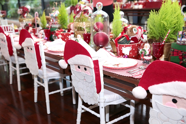 mesas-e-cadeiras-decoradas-para-o-natal