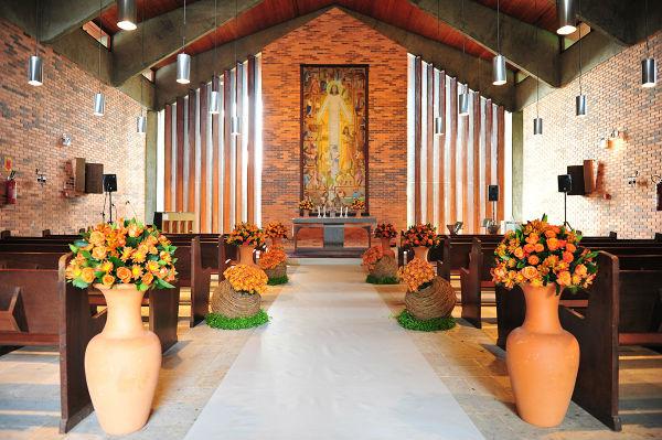 Decoração de Igreja Evangélica com vasos decorativos