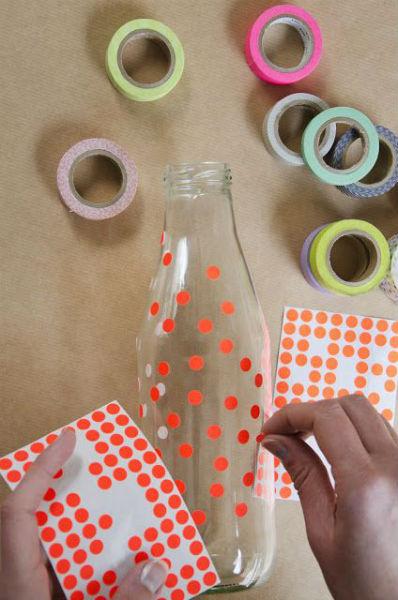 garrafa decorada com pontinhos