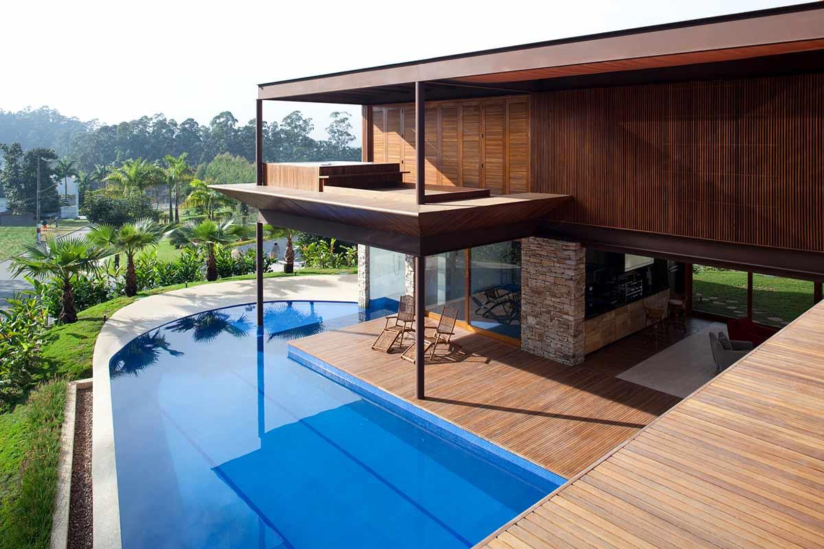 Fachadas para casas em l como escolher for Casas con piscina interior fotos
